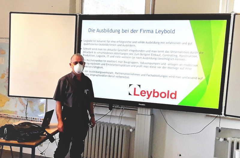 Herr Melling, Firma Leybold